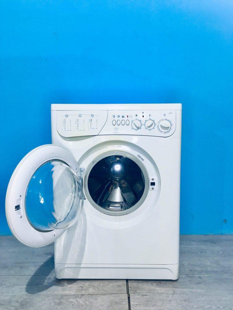 Стиральная машина Indesit 000541