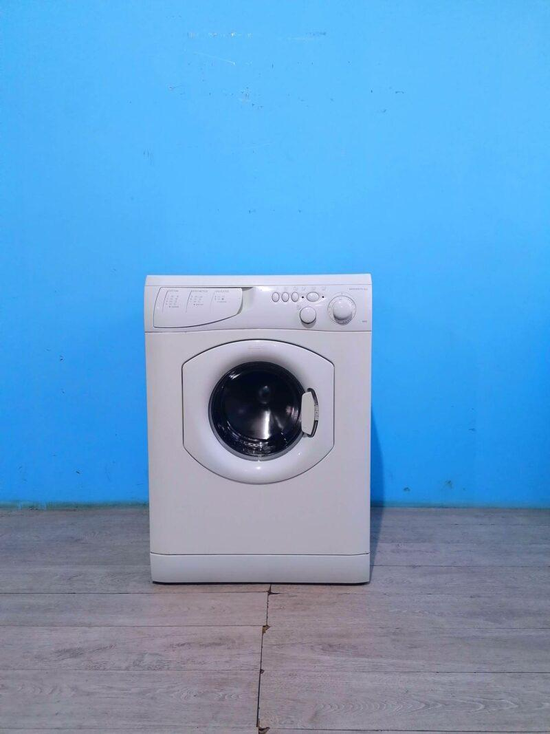 Стиральная машина Ariston 5кг   900 обмин   арт2064