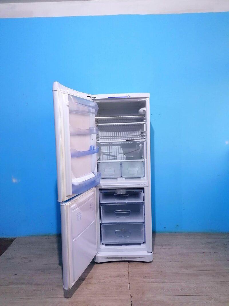 Холодильник Indesit   166см   арт2084