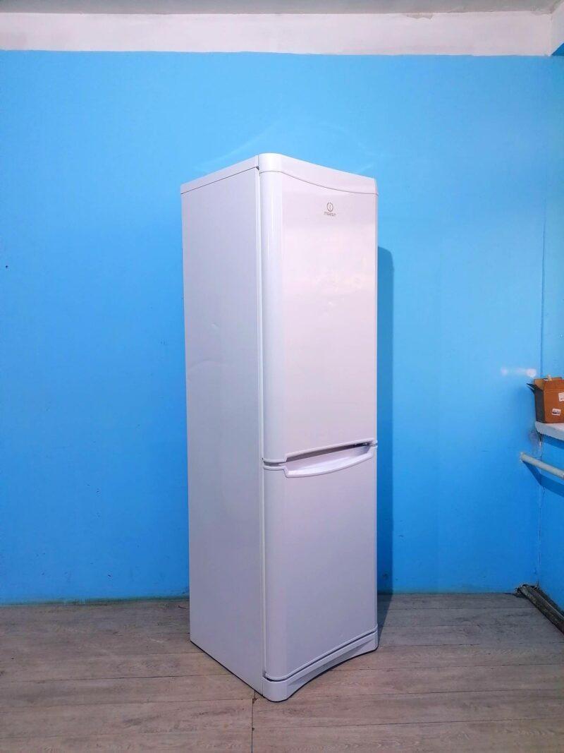 Холодильник Indesit   195см   арт2085